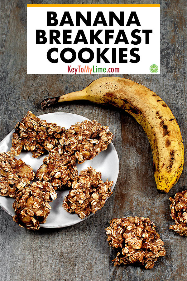 These breakfast cookies are SO GOOD and SO HEALTHY! I love them. They're so easy and take only a few minutes to make. They taste delicious with the banana and oats. It's the perfect breakfast on the go. #breakfastcookies #healthybreakfast #oatcookies #oatmealcookies #vegan | keytomylime.com