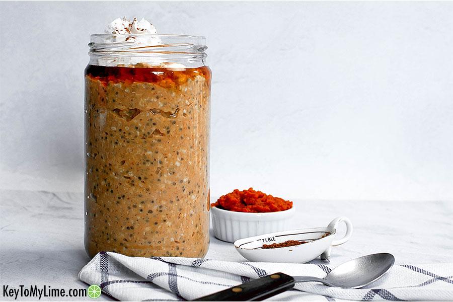 Pumpkin pie overnight oats in a jar.